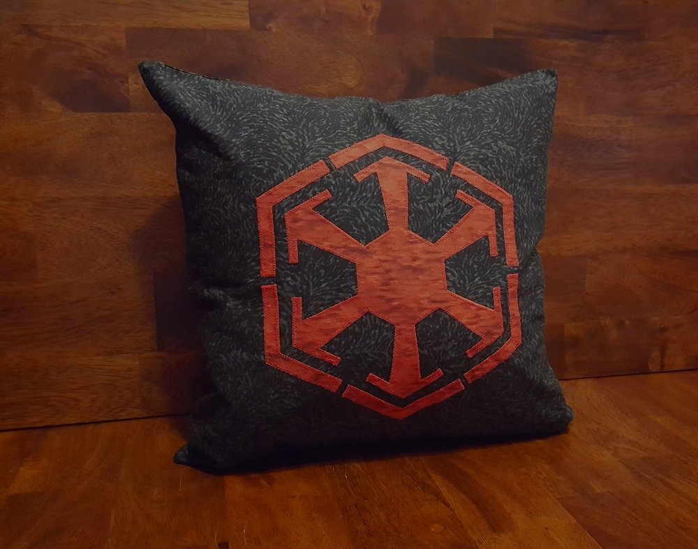 sithpillow2.jpg
