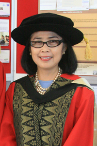 professor tian belawati -  HONORARY DOCTOR OF LETTERS