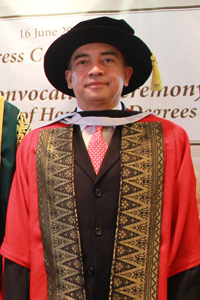 Dato' Sri Nazir razak - honorary doctor of business