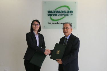 Exchange of documents between Prof Ho and Loh