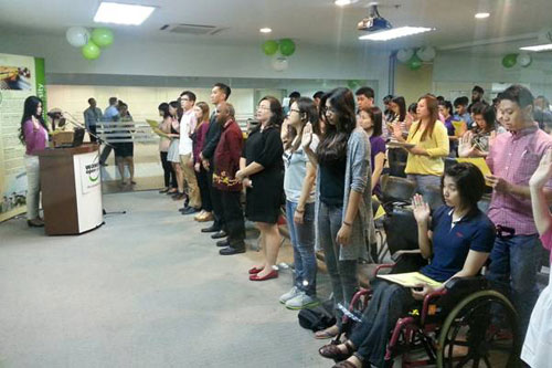 Sofea Voon Abdullah leads in the oath-taking in KLRC