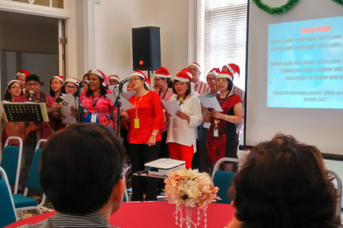 WOU carolers belt out 'Silent Night'.