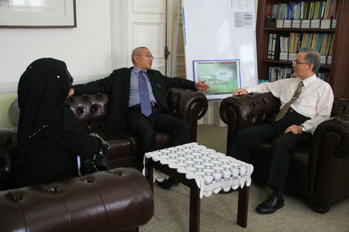 Prof Mansor pays a courtesy call on Prof Ho.