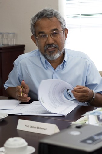 Prof Dr Osman Mohamad.