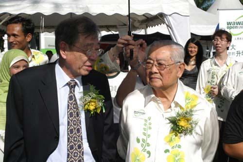 Dr Lim with WOU Chancellor Tun Dr Lim Chong Eu.