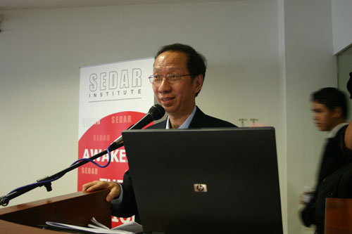 Dr Koh closes the forum.