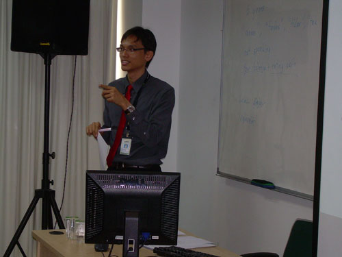 SELC lecturer Leong Han Ming gestures to make a point.
