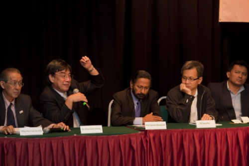 From left: O K Lee, Dr Chan Huan Chiang, Prof Suresh Narayanan, Tony Pua and Ahmad Saiffuddin Morat.
