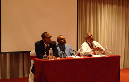 SELC Dean Assoc Prof Dr Edwin Malachi Vethamani (centre) flanked by the speakers, U K Menon (right) and Paul Linus Andrews (left).