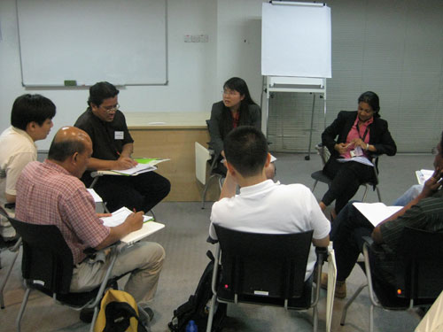 Dr Teoh (centre) with Lecturer Deehbanjli (right).
