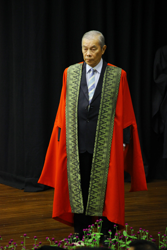 Dato' Seri Goh Eng Toon waits to be conferred.