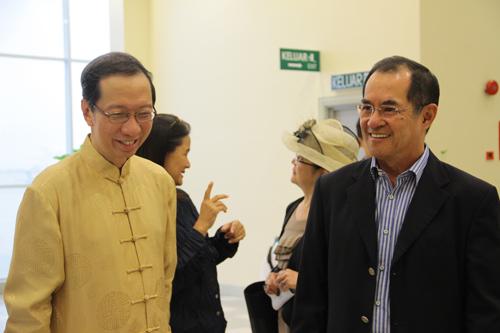 Tan Sri Dr Koh Tsu Koon with Wawasan Education Foundation Chairman Dato' Seri Stephen Yeap (right).