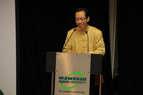 Dr Koh shares his insights on Dr Sun Yat Sen's struggles.