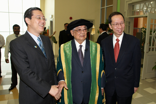 Past, present and future - Penang Chief Minister Lim Guan Eng (left) with his predecessors Tan Sri Dr Koh Tsu Koon (right) and Tun Lim.