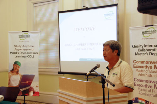 Prof Wong shares on WOU.