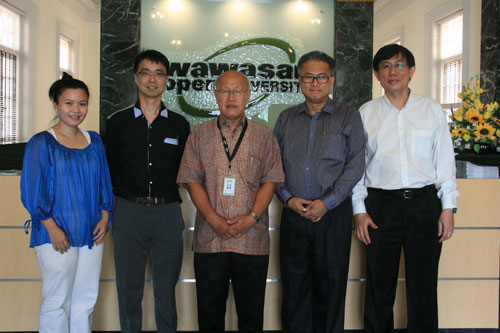 Posing after the meeting are (from right) K'ng, Leon, Dr Chin, Derek and Ann.