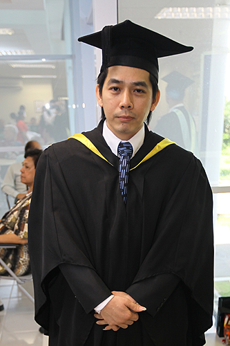 Lim received his Electronics degree.