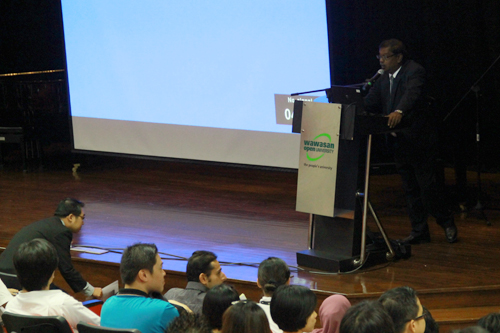 Penang Regional Office director K Manoharan welcomes the students.