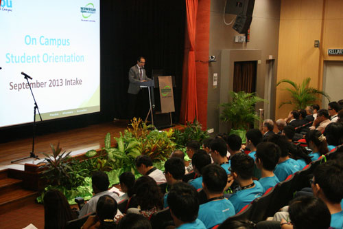 Dato' Seri Stephen Yeap addresses the new students.