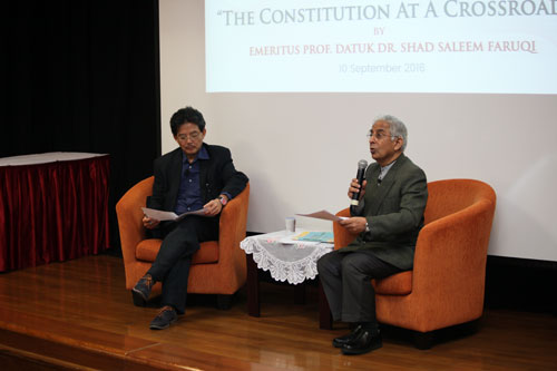At left is moderator Dr Ooi Kee Beng, Deputy Director of ISEAS-Yusof Ishak Institute, Singapore.