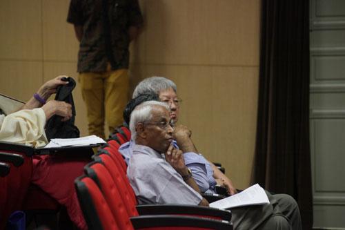 Prof Dhanarajan and Emeritus Prof Dato' Dr Wong Tat Meng of WOU.