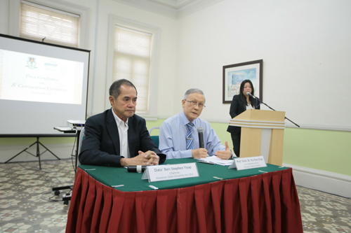Prof Ho (right) addressing the media. Beside him is Dato' Seri Stephen Yeap.