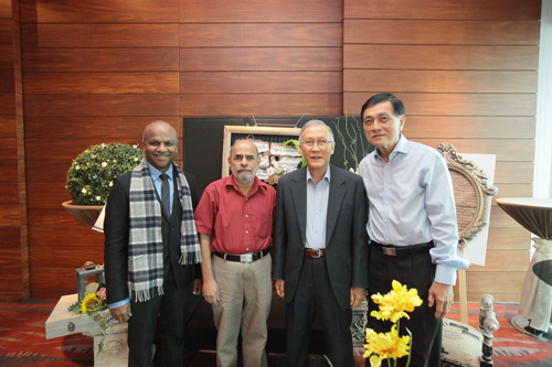 Prof Ho with (from left) Prakash (10 years), Prof Phalachandra (5 years) and Teh Kim Kow (10 years).
