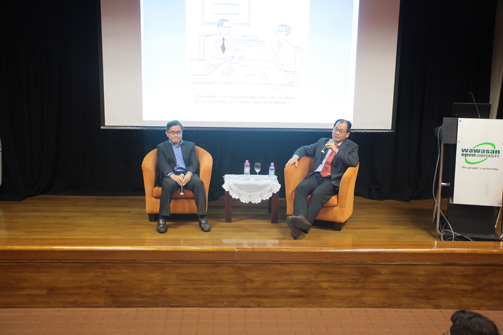 Prof Tan with School of Science & Technology Deputy Dean Assoc Prof Dr Lee Chee Leong (left) during the Q&A.