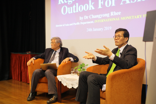 Dr Rhee with Tan Sri Andrew Sheng (left) during the Q&A session.