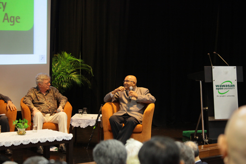 Dr Reddy (right), former Governor of the Reserve Bank of India.