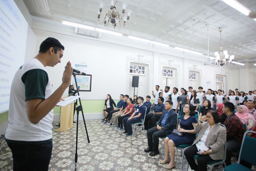 Raveenesh stands tall as he leads the new students in the oath-taking ceremony.