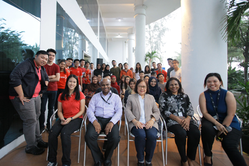(Seated front, from right) Khoo, Jasmine, Prof Zoraini and Prakash pose with the students.