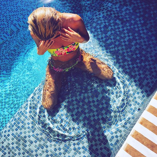 H E A R T 💛 M E 🌺 . . . New Samoa style top and bottom in tellow floral and pink stripe available now on nunuibali.com! Limited edition hurry before its gone! Mix and match with Bora Bora styles 😉 You get free bikini bag with each order, also still free shipping SUMMERISCOMING ! Ciao 😘👋🏼 #bikini #pool#summer #body #swim #island #bali #indonesia #vacation #nunuibali  @14palmsbali @nunuibali @therezahall