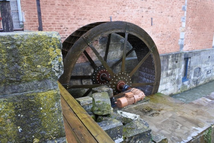 Renewable energy: hydraulic wheel of the 'Moulin du Geer'