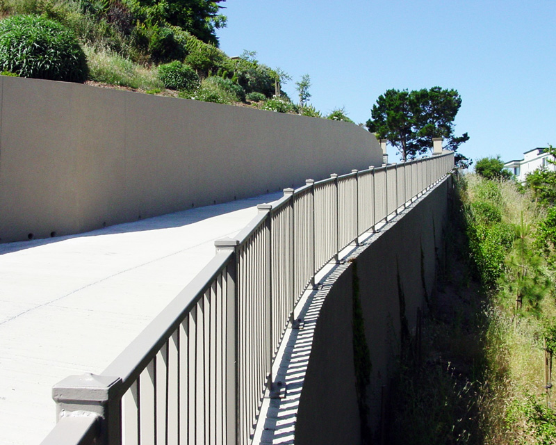 web-#2--Concrete-walls-for-hillside-driveway-(2).JPG