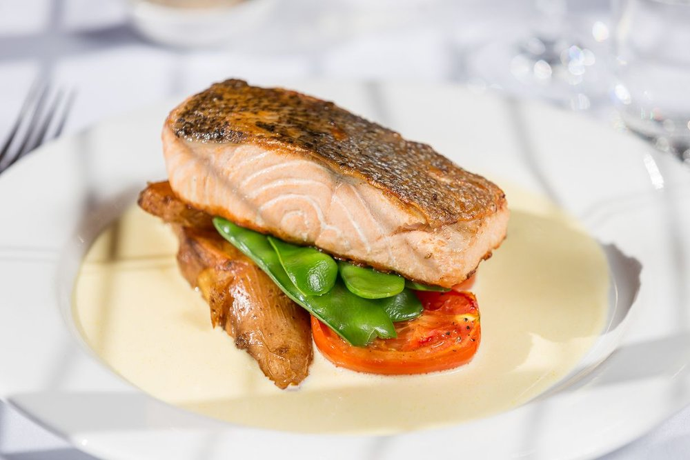 clovelly-restaurant-warrnambool-best-western-olde-maritime-salmon.jpg