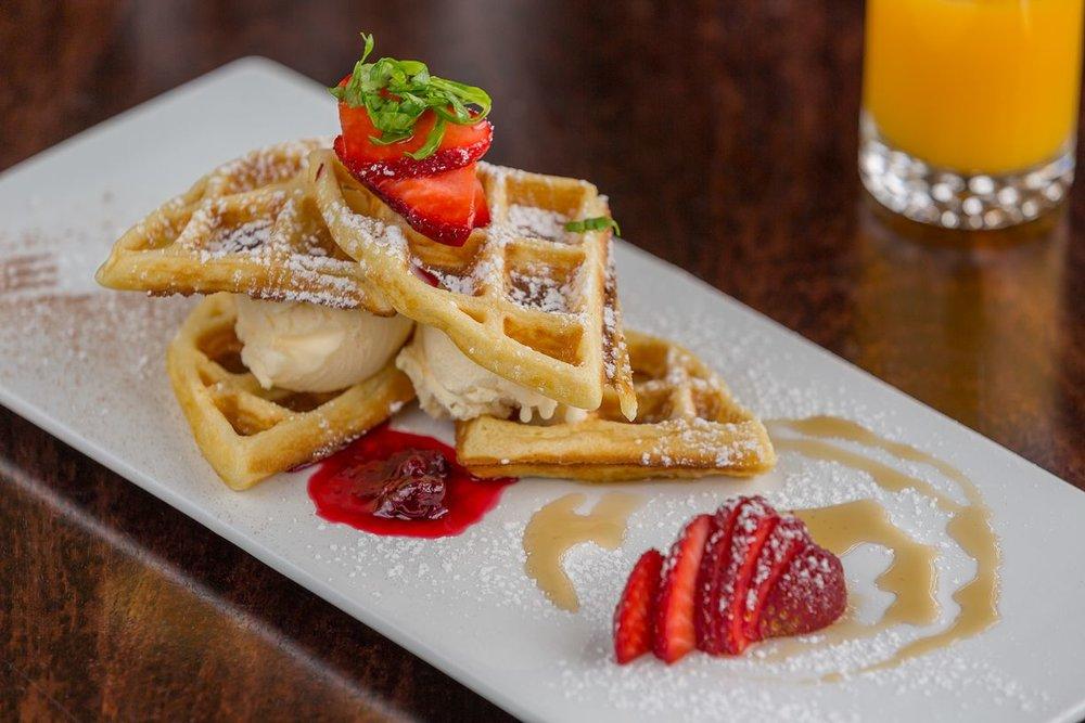 clovelly-restaurant-warrnambool-best-western-olde-maritime-waffles.jpg