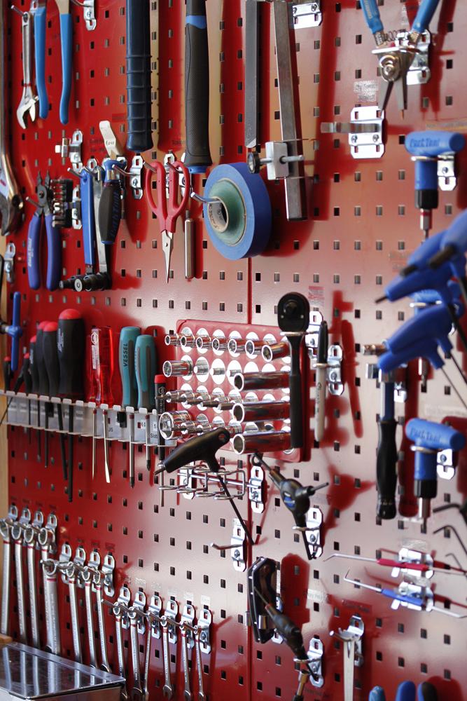 08 det-tools.jpg