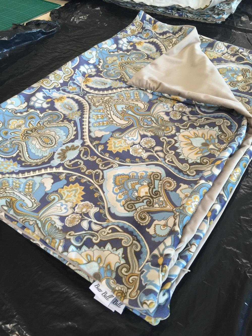 Färdiga kuddfodral i formatet 70x50 cm som kommer bli jättefina prydnadskuddar i soffan eller som gavelkuddar i sängen.
