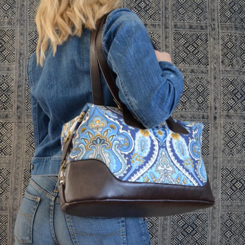 Weekend hand bags -