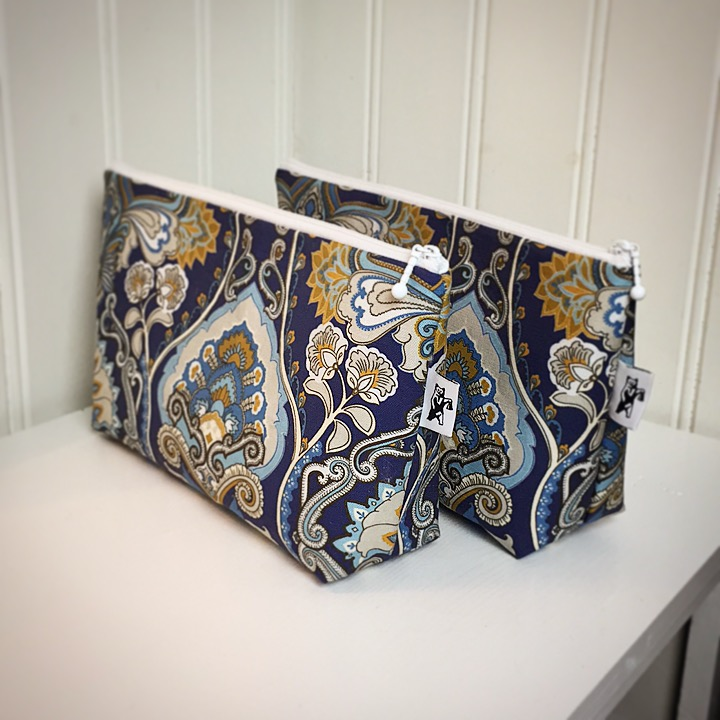 Adrian Paisley carry-all pouch -