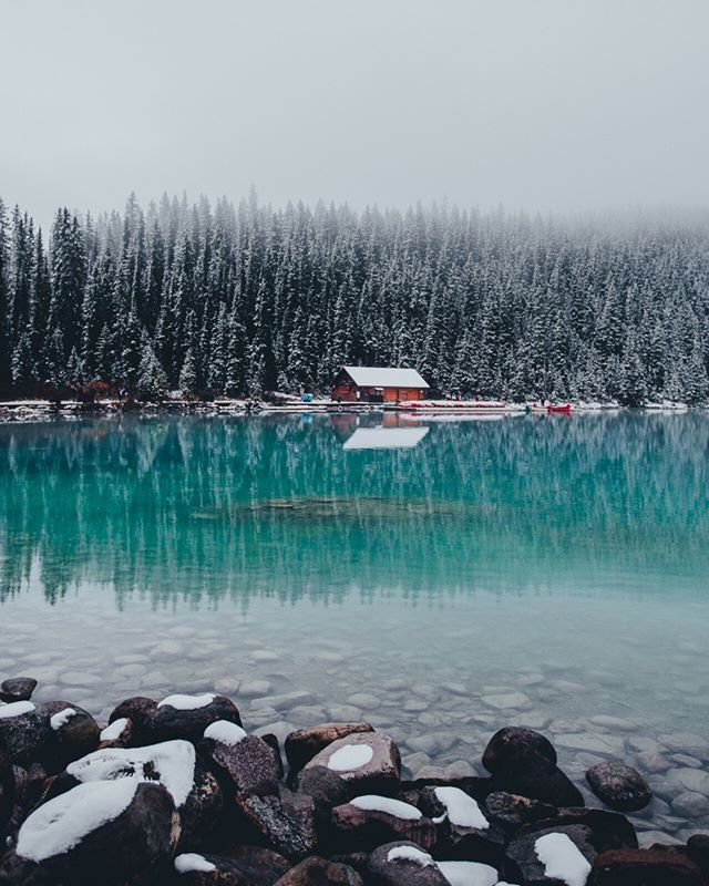 Would absolutely love to escape this heat in Australia and just be sitting by this lake! Take me back to Canada please. ⠀⠀⠀⠀⠀⠀⠀⠀⠀ •⠀⠀⠀⠀⠀⠀⠀⠀⠀ •⠀⠀⠀⠀⠀⠀⠀⠀⠀ •⠀⠀⠀⠀⠀⠀⠀⠀⠀ •⠀⠀⠀⠀⠀⠀⠀⠀⠀ #banff #banffnationalpark #alberta #explorealberta #travelalberta #rsa_outdoors #lifeofadventure  #outside_project #wildernessnation #wildernessculture #allaboutadventures #mthrworld #folkcreative #folkvibe #ourplanetdaily #explorecanada #travelcanada
