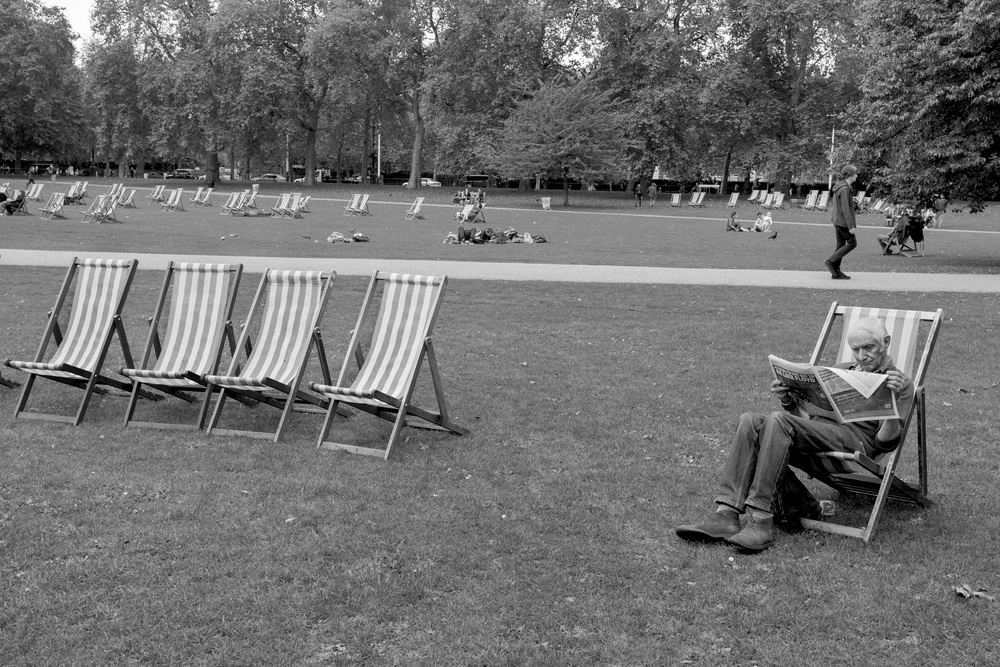 DECK CHAIRS.ST jAMES PARK.jpg