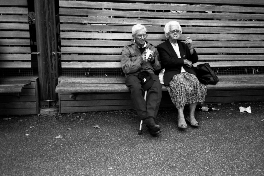 OLD COUPLE. ST JAMES PARK.jpg