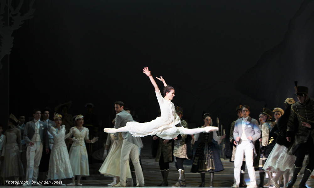 Juliet Burnett in Graeme Murphy's Swan Lake