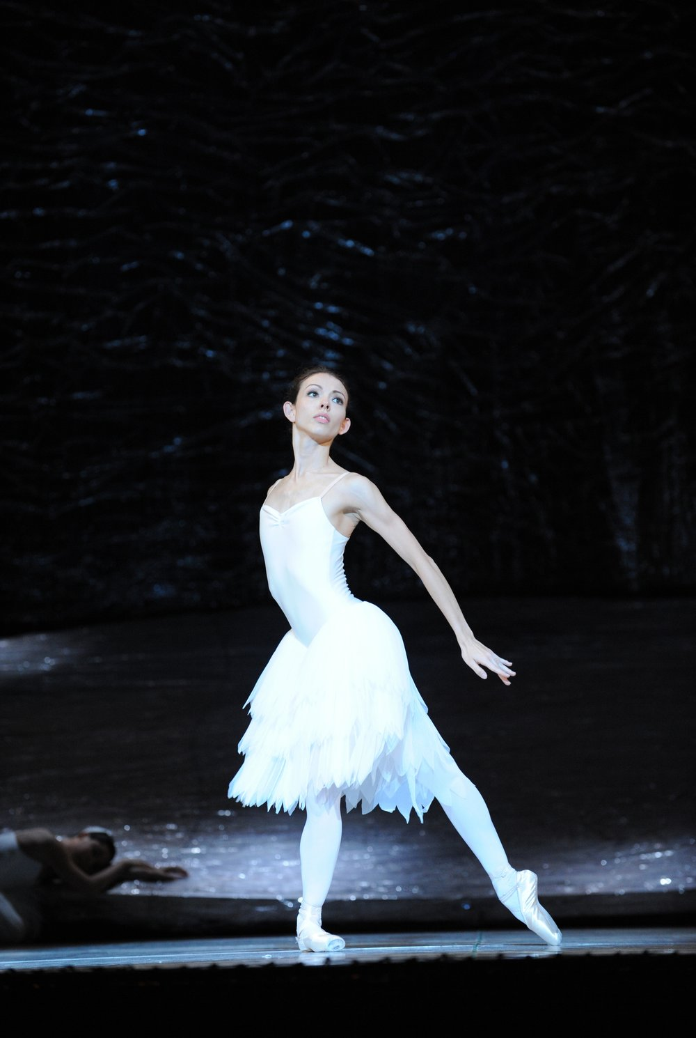 Juliet Burnett as Odette in Graeme Murphy's Swan Lake