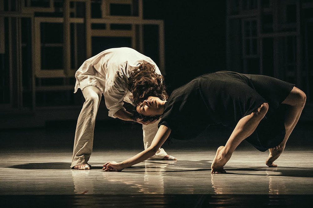 Juliet Burnett with Alain Honorez in Sidi Larbi Cherkaoui's Requiem