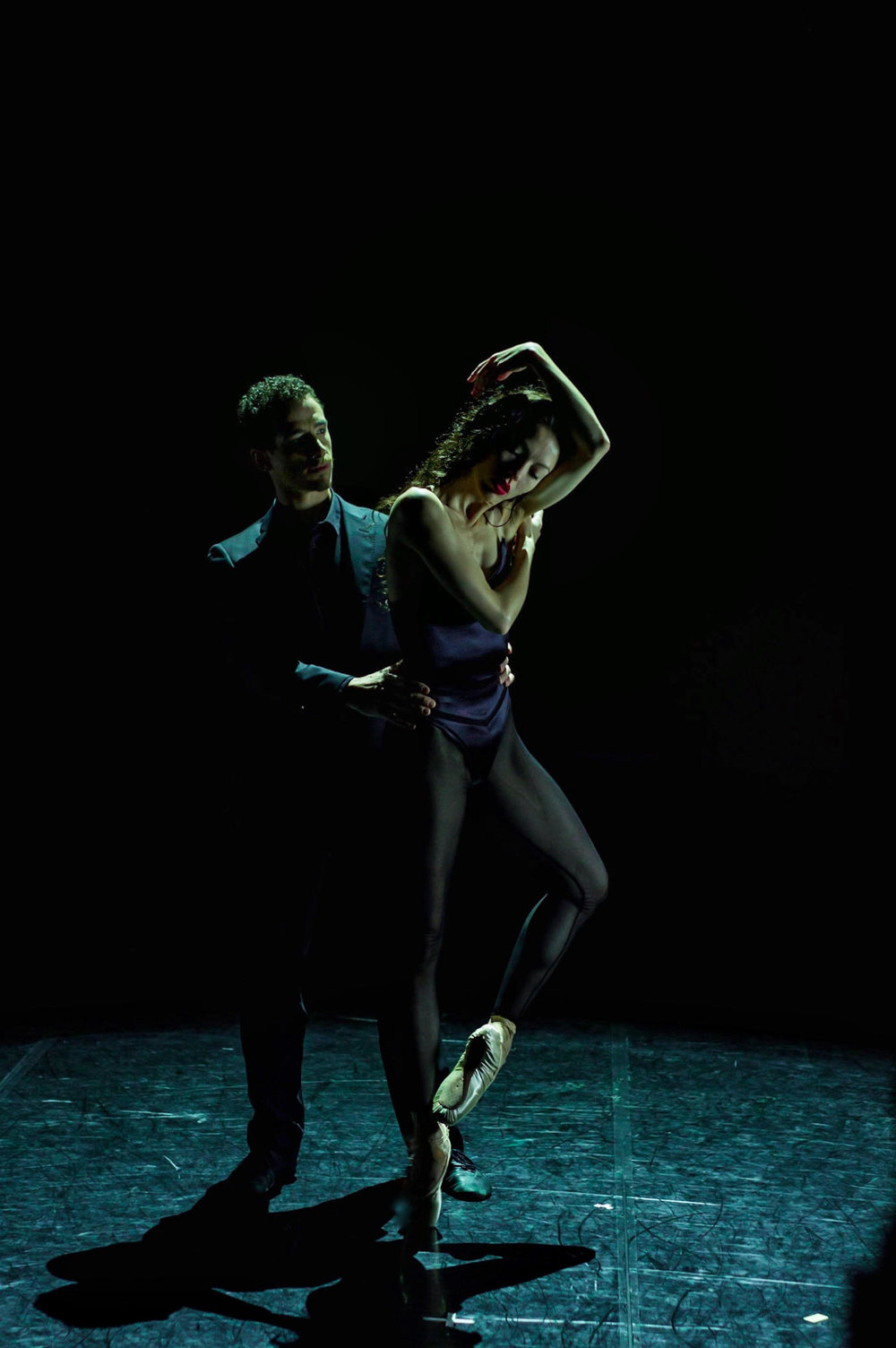 Juliet Burnett with Claudio Cangialosi in Edouard Lock's The Heart of August