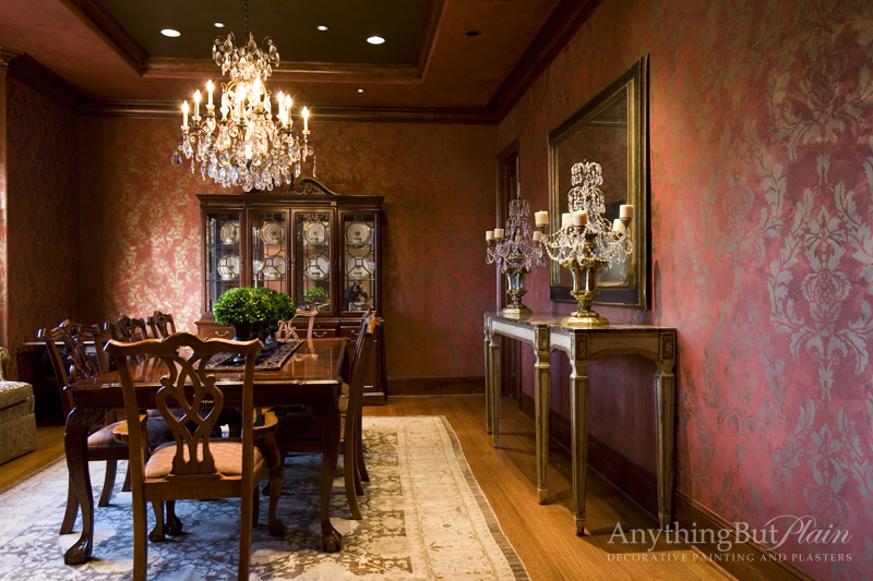 Metallic Plaster with Gold Stenciling – Red and Gold Dining Room