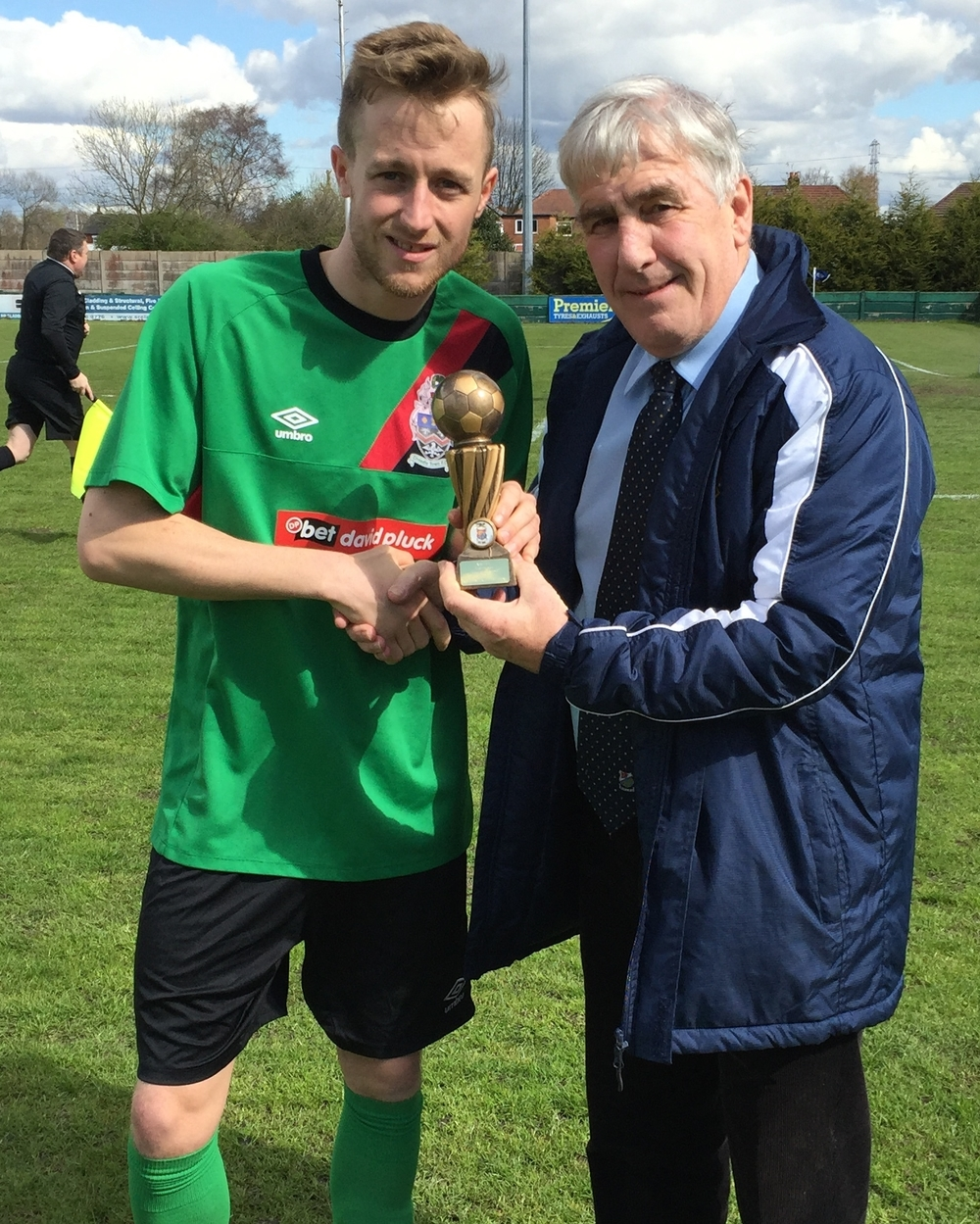 Before the match, Mike Sherrington received his NWCFL Player of the Month award from the league's very own Geoff Wilkinson